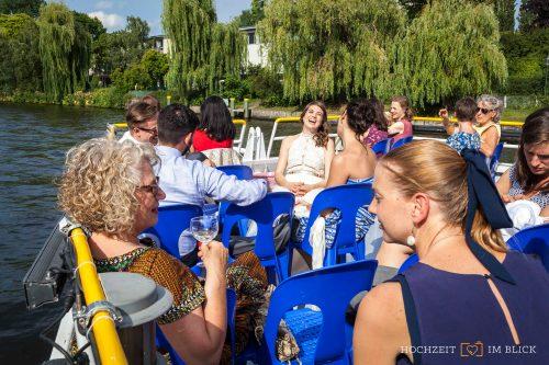 Bootsausflug der gesamten Hochzeitsgesellschaft durch Berlin