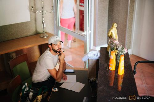 Fertig machen für die Hochzeit im Hotel Gut Gnewikow bei Berlin