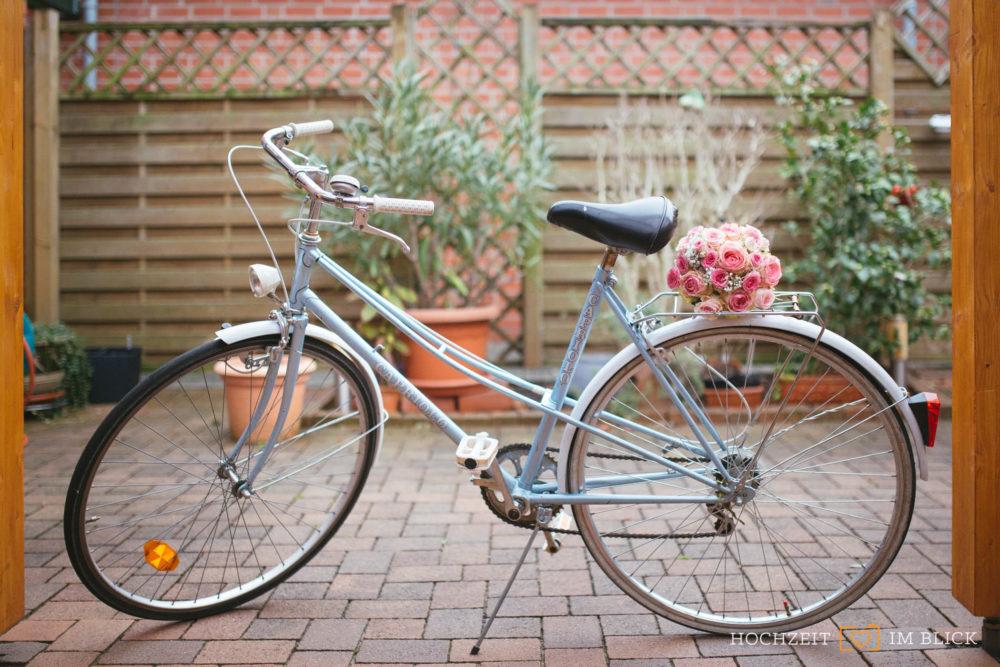 Ein Fahrrad als Brautauto