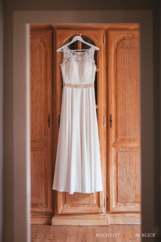 Ein Hochzeitskleid für den Winter