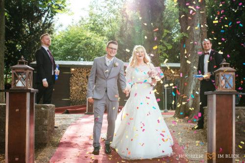 Empfang an der Hochzeitslocation Burg Blankenstein, fotografiert von unserem Hochzeitsfotografen Richard.