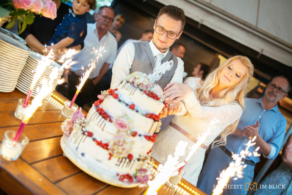 Hochzeitsfeier in der Burg Blankenstein in Hattingen, fotografiert von Hochzeitsfotograf Richard.