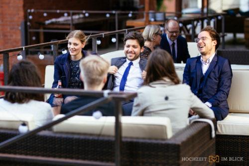 Hochzeit am Event-Theater Schwanenhöfe, fotografiert von unserem Hochzeitsfotografen aus Düsseldorf.