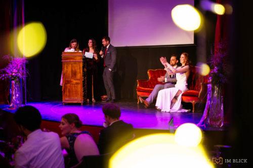 Hochzeitsfeier in der Hochzeitslocation Event-Theater Schwanenhöfe Düsseldorf, fotografiert von unserem Hochzeitsfotografen aus Düsseldorf