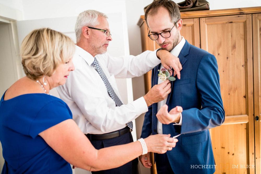 Hochzeitsfotograf Berlin, getting ready beim Mann,