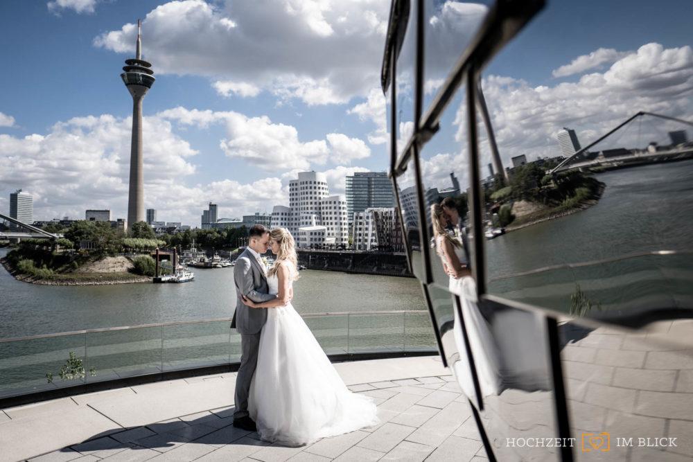 Fotos am Rheinturm in Düsseldorf