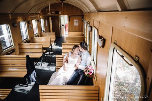 Der Schluff in Krefeld ist auch eine gute Location im Winter, um schöne Brautpaarfotos zu erstellen.